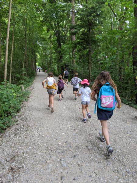 Ausflug an die Isar mit den Kindern