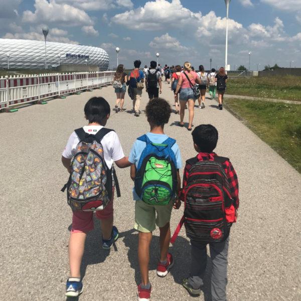 Sommer Deutschkurse für Kinder 10-13 in München: Ausflug zur Allianz Arena